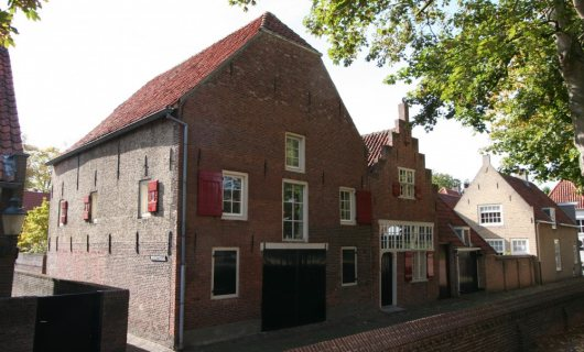 Putterstraat 2